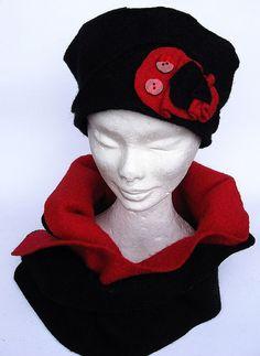 Cappello Berretto con sciarpa doubleface rosso nero di Janecolori