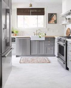 The kitchen that is top-notch white kitchen , modern kitchen , kitchen design ideas! Ikea Kitchen, Kitchen Flooring, Kitchen Countertops, Kitchen Furniture, Kitchen Decor, Kitchen Cabinets, Kitchen Ideas, Kitchen Backsplash, Kitchen Hacks