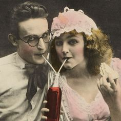 "fyeah-haroldlloyd: Harold Lloyd (April 1893 - March and Mildred Davis - Detail from a lobby card for ""From Hand To Mouth"" Harold Lloyd, Vintage Movie Stars, Classic Movie Stars, Vintage Movies, Retro Vintage, Turner Classic Movies, Classic Films, Classic Hollywood, Old Hollywood"