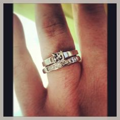 This is MINE! <3 #wedding #ring #engagement #happiness #love #diamond