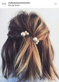 Ideas to go blonde - Icy short balayage | allthestufficareabout.com