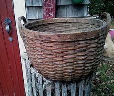 Antique Old Field Basket w/ Wooden Bottom Finger Lap Rim New England Barn Find #NaivePrimitive #unknown