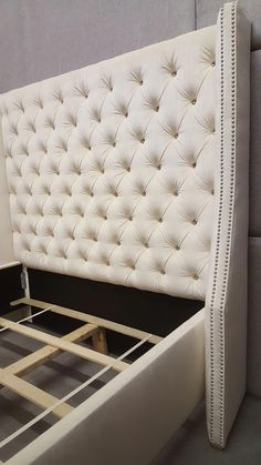 Teen Girl Bedrooms stunning decor ideas, decorating suggestion note 9674923798 - Delightful ideas for a more than cooooool diy teen girl bedrooms headboards . The truly coool tip pinned on this super day 20190116 Bed Headboard Design, Bedroom Bed Design, Bedroom Furniture Design, Room Ideas Bedroom, Headboards For Beds, Diy Tufted Headboard, Bed Furniture, Interior Design Living Room, Bedroom Decor