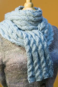 Reversible cabled scarf free pattern.