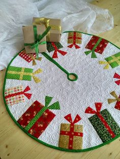 63 Trendy Skirt Diy Ideas Christmas Trees - christmas dekoration - 63 Trendy Skirt Diy Ideas Christmas Trees – christmas dekoration christmas crafts for kids to make easy – christmas dekoration Xmas Tree Skirts, Diy Christmas Tree Skirt, Christmas Tree Skirts Patterns, Christmas Patchwork, Christmas Diy, Christmas Ornaments, Christmas Trees, Scandinavian Christmas, Christmas Sewing Patterns