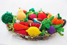 35 Crochet Play Food Patterns. A Book of Crochet Patterns of Fruit and Vegetable from Apple to Grapes to Pear to Watermelon to Zucchini par VeronicaKayCrochet sur Etsy https://www.etsy.com/fr/listing/234734568/35-crochet-play-food-patterns-a-book-of