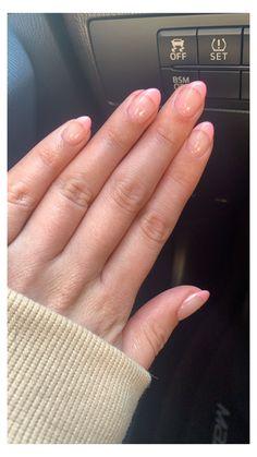 Pink Tip Nails, Almond Nails Pink, Light Pink Acrylic Nails, Rounded Acrylic Nails, Almond Nails French, French Tip Acrylic Nails, Short Almond Nails, Best Acrylic Nails, Short Oval Nails