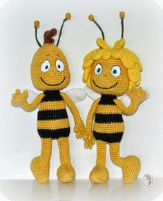 "yes here comes Maya the Bee with the greatest friends that you've ever seen. yes here comes Maya the Bee with her friends and story just for you and me."" Maya the Bee is character, based on t. Amigurumi Free, Crochet Amigurumi, Amigurumi Patterns, Amigurumi Doll, Crochet Dolls, Knitting Patterns, Crochet Patterns, Doll Patterns, Crochet Bee"