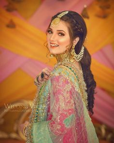 Party Wear Long Gowns, New Pakistani Dresses, Girl Trends, Embroidery Suits Design, Actress Pics, Photography Poses Women, Lehenga Designs, Crazy Girls, Pakistani Actress