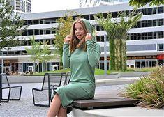 Teplákové šaty Clara Smoke Mint s kapucňou a predĺženým rukávom / ajkadizajn - SAShE.sk Smoking, Dresses With Sleeves, Long Sleeve, Sweaters, Fashion, Tunic, Moda, Sleeve Dresses, Long Dress Patterns