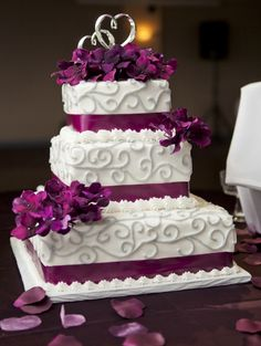Our purple and grey wedding cake :)