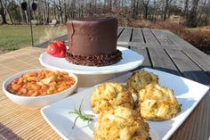 Kent Island Crab Cakes - Dinner for Six, $80.00 6- 3.5 oz Crab Cakes  2 pints of Maryland Red Crab Soup  1 Mini Smith Island Cake (Chocolate)