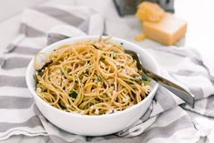 Skinny Carbonara | 28 by Sam Wood Healthy Food, Yummy Food, Healthy Recipes, 28 By Sam Wood, Spaghetti, Skinny, The Originals, Drinks, Ethnic Recipes
