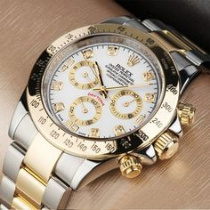 cd396388ddf4 Oshi.pk is bringing a deal of Rolex Daytona Watch for Men in such low