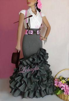 Grey Sevillana skirt with braces Fancy Gowns, Fancy Dress, Dress Up, Sexy Dresses, Nice Dresses, Fashion Dresses, Flamenco Costume, Flamenco Dresses, Anniversary Dress