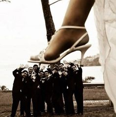 Quirky funny wedding photo idea
