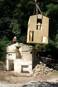S(ch)austall_FNP Architekten_module installé à l'intérieur de la ruine détruite pd la IIWW