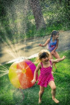 Outdoor Games, Outdoor Fun, Cool Baby, Summer Kids, Summer Of Love, Summer Beach, Bonheur Simple, Most Beautiful Words, Crazy Day
