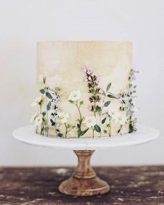 I had the honor of collaborating with on this pretty confection inspired by the our home in Provence for the… Pretty Cakes, Beautiful Cakes, Amazing Cakes, Foto Pastel, Naked Cakes, Bolo Cake, Wedding Cake Designs, Cake Wedding, Wedding Cakes One Tier