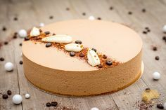 Gâteau cappuccino biscuit amandes/crémeux chocolat/mousse légère au mascarpone et mousse au café