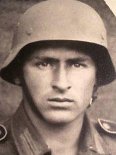 german soldier - Cerca con Google