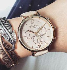 Relojes mujer tendencia 2017 Hoy os vamos a hablar, de los relojes de moda 2017. El reloj se convierte esta temporada, en el accesorio indispensable para estar a la última moda. En las pasadas tem…