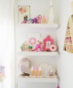 #shelfie on fleek in Ellia's room! That party Dino has a DIY tutorial in the blog archives just search 'dino.' by thepartyparade