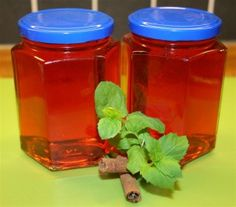 Homemade apple jelly (Norwegian)
