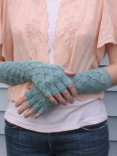 Adapted Knitty sock pattern into fingerless gloves. Crochet Gloves, Knit Mittens, Knit Or Crochet, Knitting Socks, Hand Knitting, Knitting Patterns, Crochet Pattern, Fingerless Mitts, Wrist Warmers