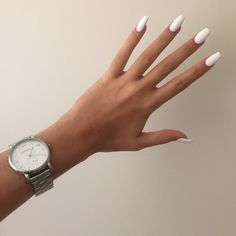 Image discovered by Deize. Find images and videos about nails, fashion and white on We Heart It - the app to get lost in what you love. Acrylic Nail Shapes, Simple Acrylic Nails, Almond Acrylic Nails, Best Acrylic Nails, White Almond Nails, Faux Ongles Gel, Blush Pink Nails, Milky Nails, Acylic Nails
