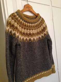 This is the best Icelandic sweater that I have ever made. It is also the Lopi sweater ❤️ I am crazy, delriously happy! It is The project that I am happiest with of if not all my knittin. Icelandic Sweaters, I Am Happy, Ravelry, Men Sweater, Turtle Neck, Pullover, Wool, Stone, Knitting