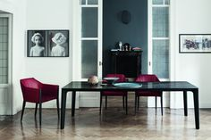 Versus Bontempi  Design: Carlo Bimbi  Tradition trifft auf Moderne, die handgefertigten Details der Tischbeine aus Holz und das Stahlgestell  machen aus dem Tisch ein echter moderner Klassiker.  Wahlweise, mit oder ohne Auszugsfunktion, quadratisch oder rechteckig; der Tisch Versus 2015 von  Bontempi Casa ist der perfekte Tisch um mit Geschmack und Eleganz jedes Hausambiente  einzurichten.  http://www.storeswiss.com/de/prod/tische/versus-bontempi.html