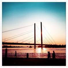 #kriegundliebe #lovely place #Düsseldorf #sunset