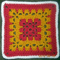 Ravelry: g120luvs2crochets Autumn Leaves (50fabsquarescal)
