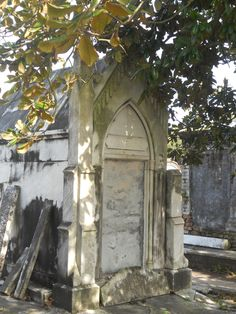 have a serious passion for old cemetaries - lafayette cemetary new orleans