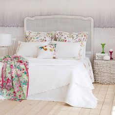Zara home zara and colchas on pinterest - Zara home cuadros ...