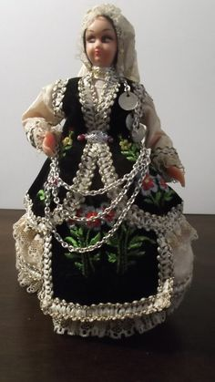 Hand Made Greek Costume Doll Livanates Greece Greek Costumes, Hand Puppets, Greeks, Beautiful Hands, Doll Clothes, Arts And Crafts, Dolls, Board, Handmade