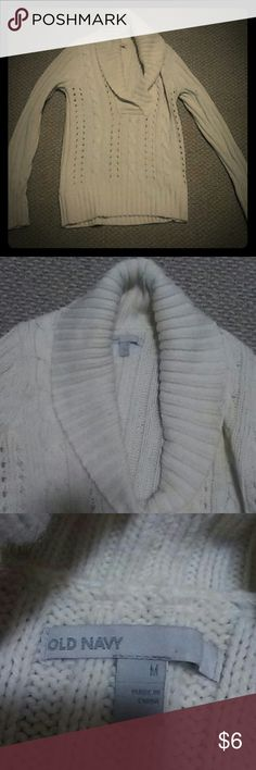 Old Navy Women's Sweater Cute cowl neck sweater! Light pilling but hardly worn. Old Navy Sweaters Cowl & Turtlenecks