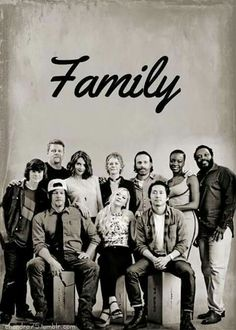 Wish I was in that picture! It would be so cool to be apart of the walking dead cast!!!!!