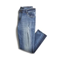 Always Looking for a good pair of Jeans! Stitch Fix Spring Stylist Picks: distressed skinny jean Mom Outfits, Chic Outfits, Spring Outfits, Stitch Fit, Stitch Fix Outfits, Kinds Of Clothes, Stitch Fix Stylist, Weekend Wear, Distressed Skinny Jeans