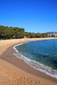 Playa de Fenals en Lloret de Mar (Costa Brava, Cataluña)