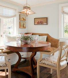 Great combo of banquette and furniture