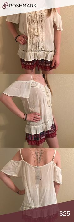 Free People, Off the Shoulder Top, NWT, Size M Free People, Patrons of Peace  Off the shoulder Ivory Top  Style BX 1451, Size Medium   BRAND NEW WITH TAGS Free People Tops