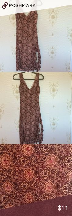 Rampage party/ day dress 👗 Size Small Excellent day time or party dress! It features a side slit and a flowy effect! Don't miss out on this burgundy,pink,beige, and specks of brown dress. It also has an inside slip that is nude colored. This dress is timeless! Great condition, worn once.  Material: 100% Polyester  Hand wash cold & lay flat to dry Rampage Dresses