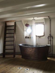 Cool tarnished copper tub