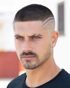 The top short hairstyles for men for the year 2018 are eye-catching and somewhat sophisticated. Today the short mens hairstyles have become particularly. Beard Haircut, Fade Haircut, Hairstyles Haircuts, Haircuts For Men, Hair And Beard Styles, Curly Hair Styles, Track Workout, Cool Yoga Poses, Hair Tattoos