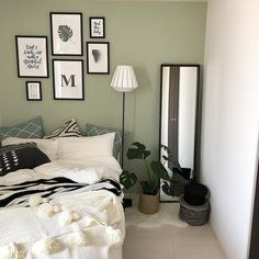 Beautiful Interiors, My Room, Gallery Wall, Cool Stuff, Frame, Room Ideas, Home Decor, Picture Frame, A Frame