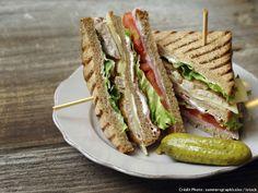 Turkey Club Sandwich with Pork Belly and Enhanced Mayo - Turkey Club Sandwich with Pork Belly and Enhanced Mayo - Grill Sandwich, Toast Sandwich, Club Sandwich Poulet, Turkey Club Sandwich, Vegetarian Sandwich Recipes, Chicken Sandwich Recipes, Vegetarian Times, Cold Sandwiches, Panini Sandwiches