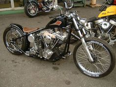 So slim and so right! This awesome Harley Davidson Shovelhead was bobbed in all the right ways.