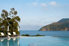 Großartige Lage mit Blick auf das Meer und die felsigen Buchten: Entspannen Sie in dieser Appartementanlage mit Gemeinschaftspool und Snackbar auf der Insel Vulcano, die zu den liparischen Inseln gehört.